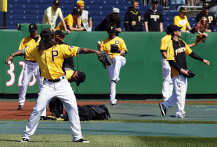 MLB Baseball Betting Picks:  Chicago Cubs at Pittsburgh Pirates