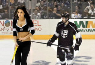 NHL Totals Preview:  Chicago Blackhawks at Los Angeles Kings