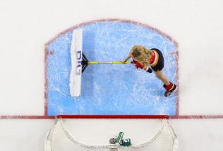 NHL Hockey Betting:  Calgary Flames at New Jersey Devils&h=39&w=65&zc=1