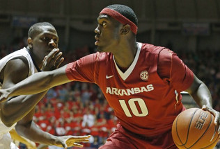 College Basketball Betting: Arkansas at Kentucky