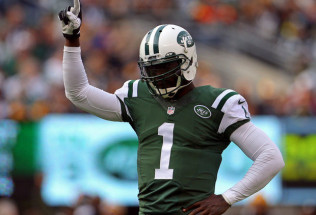 Steelers Make A Bad Football Decision By Signing Michael Vick