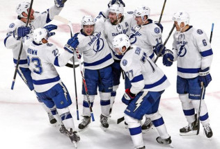 NHL Hockey Betting:  Toronto Maple Leafs at Tampa Bay Lightning&h=39&w=65&zc=1