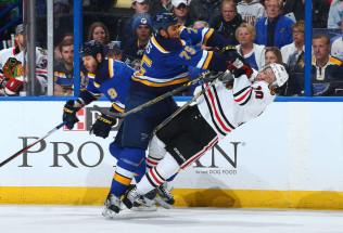 NHL Hockey Betting:  St. Louis Blues at Chicago Blackhawks&h=39&w=65&zc=1