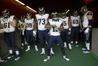 NFL Football Betting:  Los Angeles Rams at New England Patriots