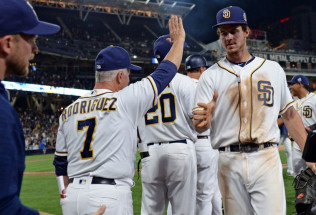 MLB Baseball Betting:  Milwaukee Brewers at San Diego Padres